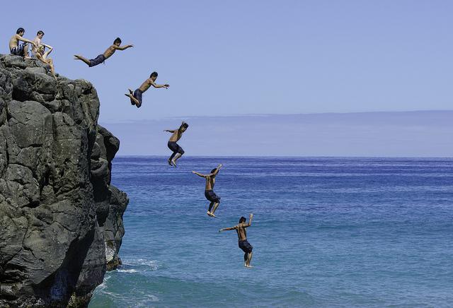 cliff-dive-flickr-ornellas